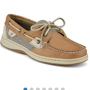 SPERRY WOMANS SHOWSES SIZE 7